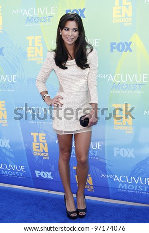 LOS ANGELES - AUG 7: Josie Loren arrives at the 2011 Teen Choice Awards held at Gibson Amphitheatre on August 7, 2011 in Los Angeles, California