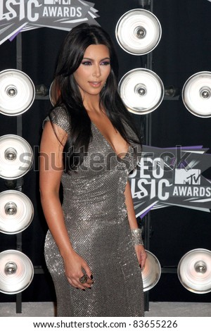 LOS ANGELES - AUG 28:  Kim Kardashian arriving at the  2011 MTV Video Music Awards at the LA Live on August 28, 2011 in Los Angeles, CA