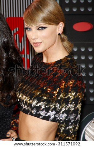 LOS ANGELES, CA - AUGUST 30, 2015: Taylor Swift at the 2015 MTV Video Music Awards held at the Microsoft Theater in Los Angeles, USA on August 30, 2015.