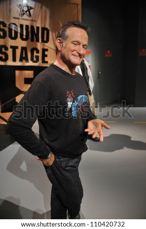 LOS ANGELES, CA - JULY 21, 2009: Robin Williams waxwork figure - grand opening of Madame Tussauds Hollywood. - stock photo