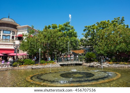 Los Angeles, CA: July 16, 2016: the fountain at the Grove.  The Grove opened to the public in 2002.