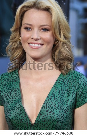 LOS ANGELES, CA - NOV 3: Elizabeth Banks at the premiere of 'Fred Claus' at the Grauman's Chinese Theater on November 3, 2007 in Los Angeles, California