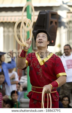 LOS ANGELES CHINATOWN, CA - SEPT 14:  Chinese juggler Haitao, performs in the 2008 Moon Festival in Los Angeles' Chinatown.