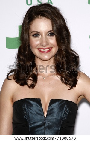 LOS ANGELES - FEB 23:  Alison Brie arrives at the Global Green USA's 8th Annual Pre-Oscar Party at Avalon on February 23, 2011 in Los Angeles, CA