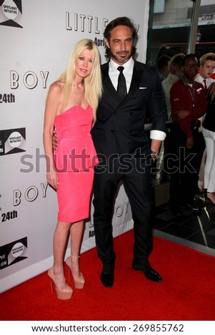 """LOS ANGELES - FEB 14:  Tara Reid, Guest at the """"Little Boy"""" Los Angeles Premiere at the Regal 14 Theaters on April 14, 2015 in Los Angeles, CA - stock photo"""