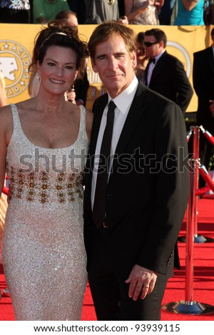 LOS ANGELES - JAN 29:  Chelsea Field and Scott Bakula arrives at the 18th Annual Screen Actors Guild Awards at Shrine Auditorium on January 29, 2012 in Los Angeles, CA
