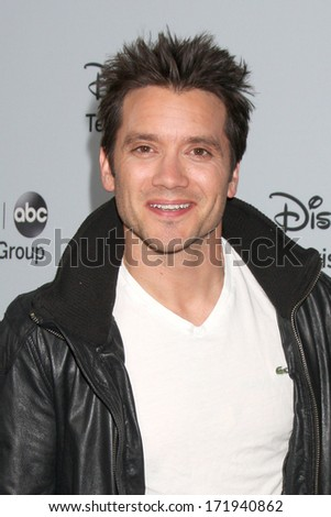 LOS ANGELES - JAN 17:  Dominic Zamprogna at the Disney-ABC Television Group 2014 Winter Press Tour Party Arrivals at The Langham Huntington on January 17, 2014 in Pasadena, CA