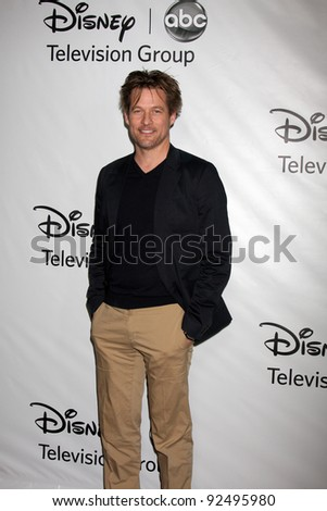 LOS ANGELES - JAN 10:  James Tupper arrives at the ABC TCA Party Winter 2012 at Langham Huntington Hotel on January 10, 2012 in Pasadena, CA