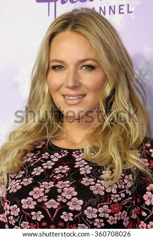 LOS ANGELES - JAN 8:  Jewel at the Hallmark Winter 2016 TCA Party at the Tournament House on January 8, 2016 in Pasadena, CA