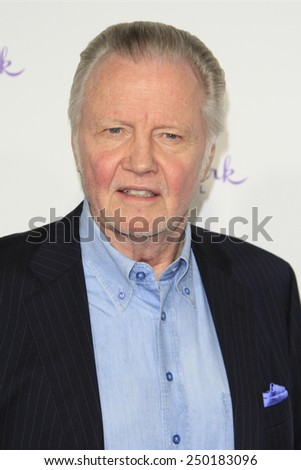 LOS ANGELES - JAN 8: Jon Voight at the TCA Winter 2015 Event For Hallmark Channel and Hallmark Movies & Mysteries at Tournament House on January 8, 2015 in Pasadena, CA