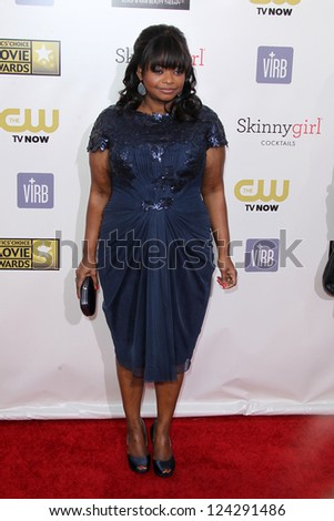 LOS ANGELES - JAN 10:  Octavia Spencer arrives at the 18th Annual Critics' Choice Movie Awards at Barker Hanger on January 10, 2013 in Santa Monica, CA