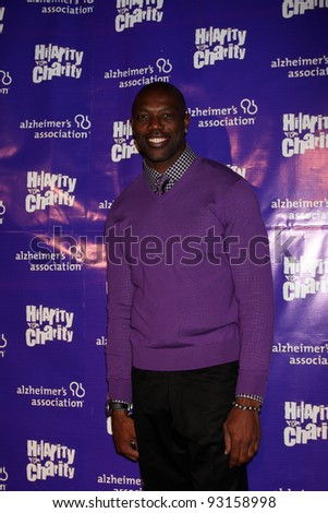 "LOS ANGELES - JAN 13:  Terrell Owens arrives at  the ""Hilarity For Charity"" Benefit at Vibiana on January 13, 2012 in Los Angeles, CA"