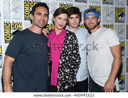 "LOS ANGELES - JUL 22:  Nestor Carbonell, Vera Farmiga, Freddie Highmore & Max Thieriot arrives to the Comic Con 2016 - ""Bates Motel"" PhotoCall on July 22, 2016 in San Diego, CA"