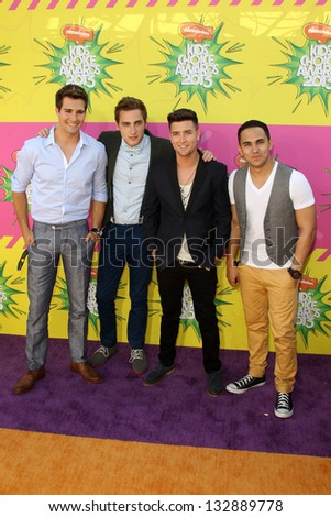 LOS ANGELES - MAR 23:  Big Time Rush arrives at Nickelodeon's 26th Annual Kids' Choice Awards at the USC Galen Center on March 23, 2013 in Los Angeles, CA