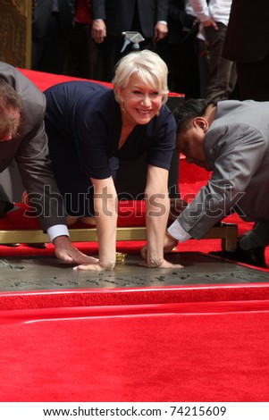 LOS ANGELES - MAR 28:  Helen Mirren at the Helen Mirren Handprints and Footprints Ceremony  at Graumans Chinese Theater on March 28, 2010 in Los Angeles, CA.