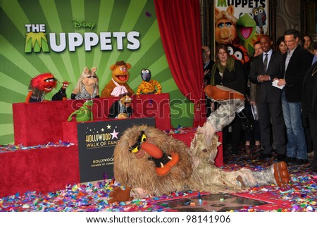 LOS ANGELES - MAR 20:  Muppets at the Hollywood Walk of Fame Star Ceremony for The Muppets at the El Capitan Theater on March 20, 2012 in Los Angeles, CA