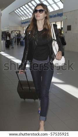 LOS ANGELES - MAY 30: Actress Jessica Biel is seen at LAX. May 30 in Los Angeles, California.