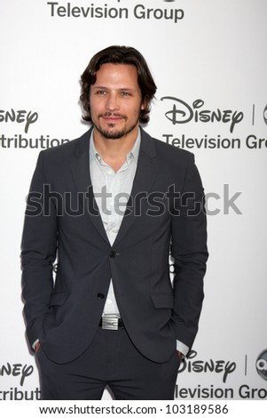 LOS ANGELES - MAY 20:  Nick Weschsler arrives at the ABC / Disney International Upfronts at Walt Disney Studios Lot on May 20, 2012 in Burbank, CA