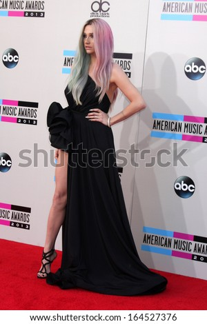 LOS ANGELES - NOV 24:  Kesha at the 2013 American Music Awards Arrivals at Nokia Theater on November 24, 2013 in Los Angeles, CA