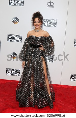 LOS ANGELES - NOV 20:  Tinashe Kachingwe at the 2016 American Music Awards at Microsoft Theater on November 20, 2016 in Los Angeles, CA