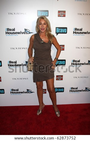 "LOS ANGELES - OCT 11:  Linda Thompson arrives at the ""Real Housewives of Beverly Hlls"" Premiere Party at Trousdale.Theatre on October 11, 2010 in West Hollywood, CA"