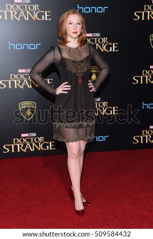 "LOS ANGELES - OCT 20:  Molly Quinn arrives to the ""Doctor Strange"" World Premiere on October 20, 2016 in Hollywood, CA"