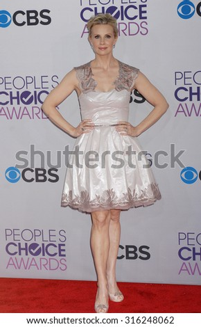 LOS ANGELES - OCT 4:  Monica Potter arrives at the 2013 Peoples Choice Awards  on January 9, 2013 in Los Angeles, CA