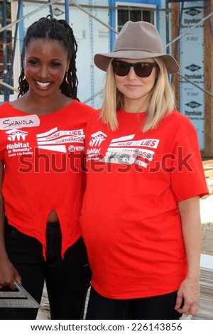 "LOS ANGELES - OCT 25:  Shanola Hampton, Kristen Bell at the Habitat for Humanity build by Showtime's ""House of Lies"" and Shameless at Magnolia Blvd on October 25, 2014 in Lynwood, CA"
