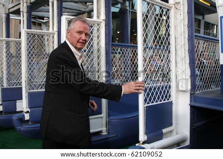 "LOS ANGELES - SEP 30:  Jon Voight arrives at the ""Secretariat"" Premiere at El Capitan Theater on September 30, 2010 in Los Angeles, CA"