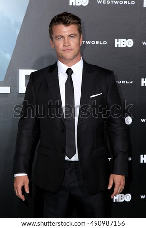 "LOS ANGELES - SEP 28:  Luke Hemsworth at the HBO's ""Westworld"" Los Angeles Premiere at the TCL Chinese Theater IMAX on September 28, 2016 in Los Angeles, CA"