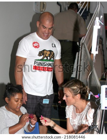 "LOS ANGELES - SEP 16:  Tito Ortiz at the ""Stars 4 Smiles"" - celebs visiting children at hospital at Harbor-UCLA Medical Center on September 16, 2014 in Torrance, CA"
