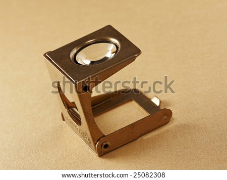 Loupe for printing industry