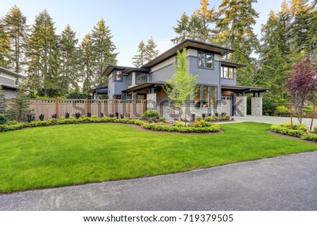 Luxurious Home Design Modern Curb Appeal Stock Photo (Royalty Free ...