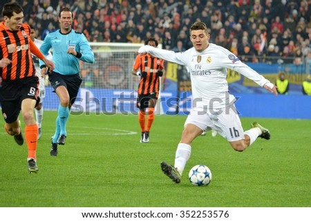 LVIV, UKRAINE - OCT 25: Mateo Kovacic (R) during the UEFA Champions League match between Shakhtar vs Real Madrid, 25 October 2015, Arena Lviv, Ukraine