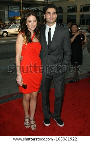 Lynn Collins and Steven Strait  at the Industry Screening of 'X-Men Origins Wolverine'. Grauman's Chinese Theater, Hollywood, CA. 04-28-09