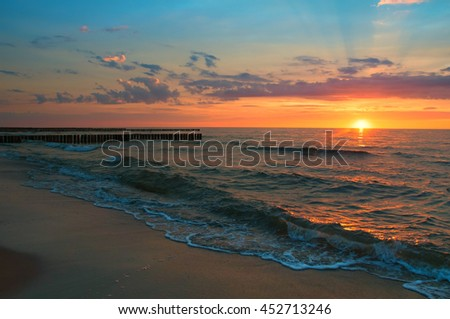 Majestic sunset over sea