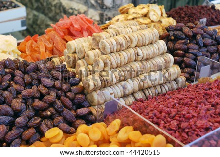 market stand of dried fruits