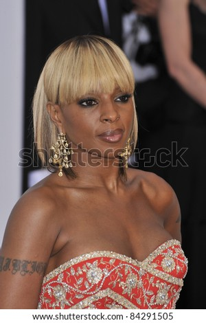 Mary J. Blige at the 61st Annual Cannes Film Festival amfAR's Cinema Against AIDS 2008 Gala at Le Moulin de Mougins restaurant.  5-22-08 Cannes, France. By: Paul Smith / Featureflash