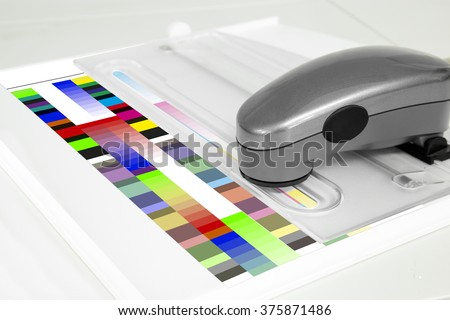 Measuring Color Swatches With Spectrometer