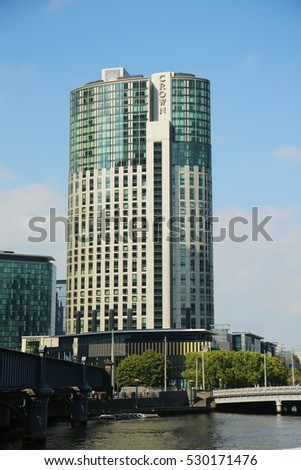 What bank is crown casino situated on spectacle casino montreal