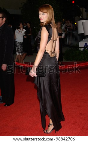 MELINDA CLARKE at the 30th Annual People's Choice Awards in Pasadena, CA. January 11, 2004  Paul Smith / Featureflash