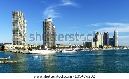 Miami south beach, view from port entry channel, Floride, USA.