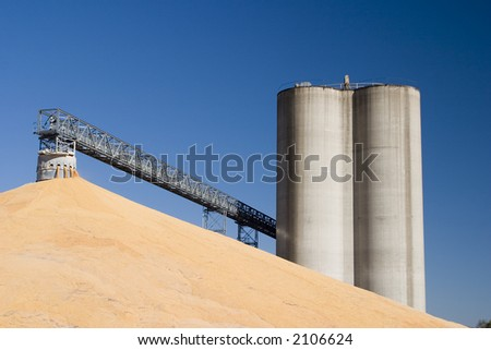 Midwest elevators and corn - stock photo
