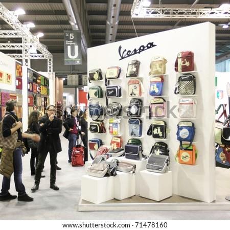 Milan Italy January 28 People Vespa Stock Photo 71478160