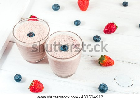 milkshake with blueberry and strawberry
