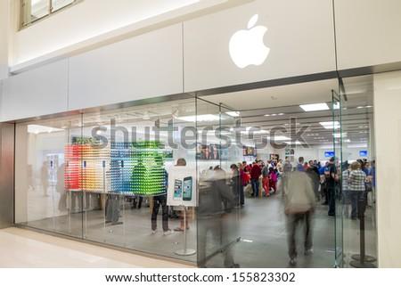 MINNEAPOLIS,MN - SEPTEMBER 26: Apple store and logo in Mall of America, in Minneapolis, MN, on September 26, 2013.  - stock photo