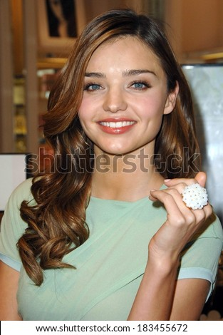 Miranda Kerr at Victoria's Secret First Organic Vegan PINK Body Care Line Launch, Victoria's Secret Boutique at The Grove, Los Angeles March 10, 2009