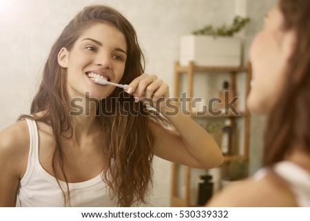 Mirroring toothbrushing