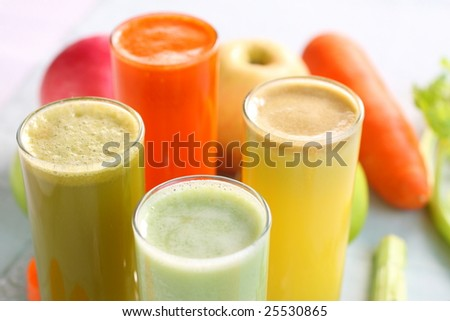 mixed fruit juice, there are carrot, celery, apple, guava, good for health.