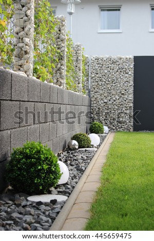 Modern Garden House Stock Photo & Image (Royalty-Free) 445659475 ...
